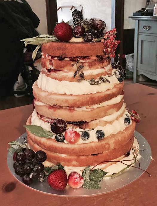 naked cake with fresh fruit