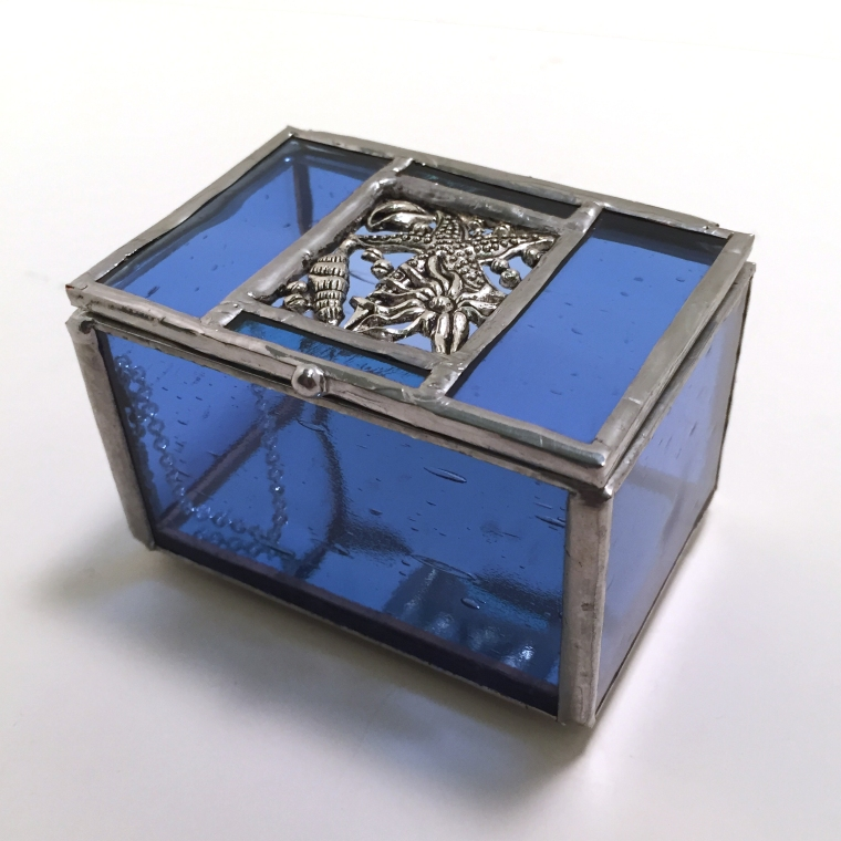 blue seashell motif small glass box