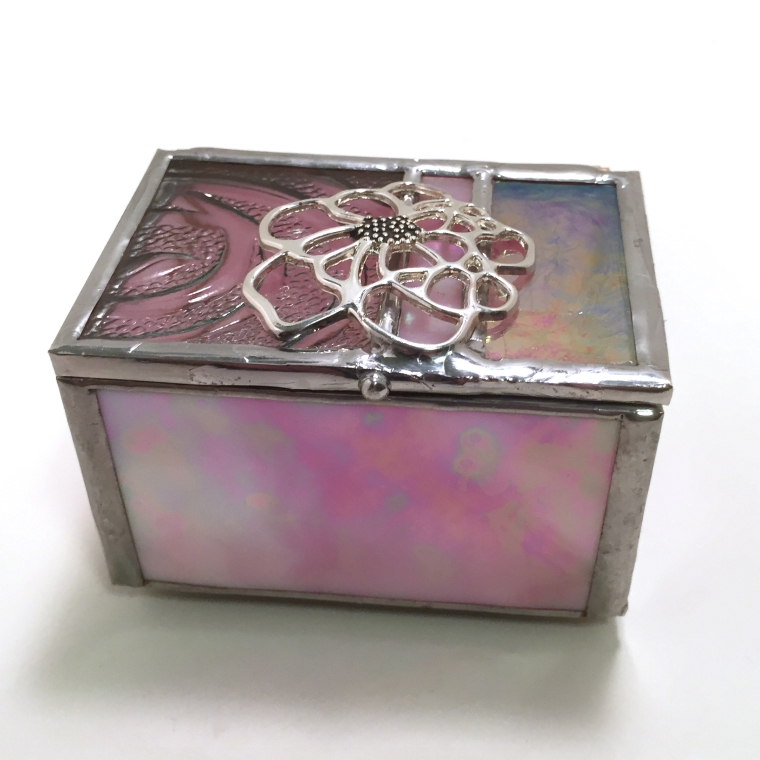 iridescent pink ring box